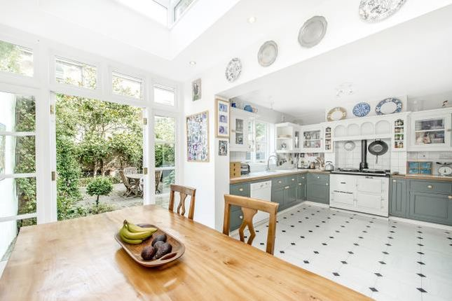 6 bed terraced house for sale in Beauclerc Road, London