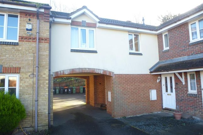 Thumbnail Property for sale in Willoughby Close, Dunstable