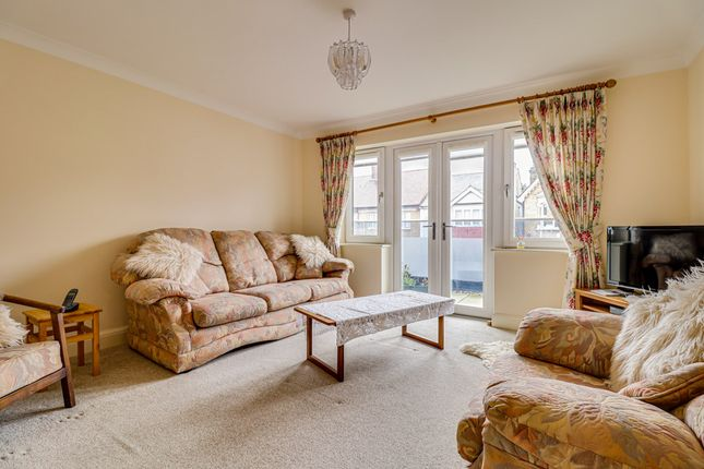 Lounge/Diner of Cranleigh Drive, Leigh-On-Sea SS9