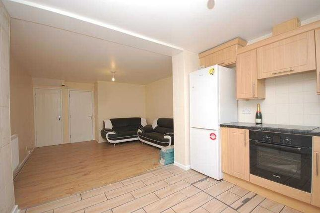 Thumbnail Semi-detached house to rent in Culloden Close, Bermondsey