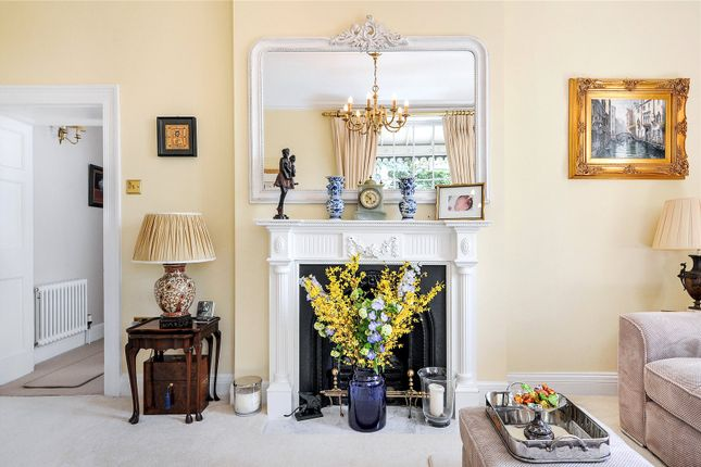 Fireplace of Windsor Place, Clifton, Bristol BS8