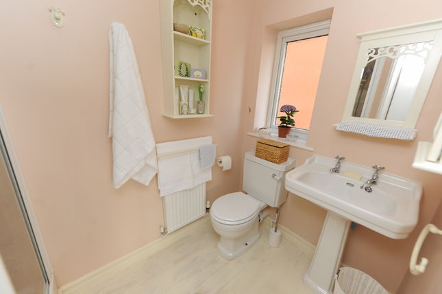 En Suite Bed1 of Holme Park Avenue, Newbold, Chesterfield S41