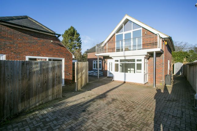 Thumbnail Detached house for sale in Ryarsh Lane, West Malling