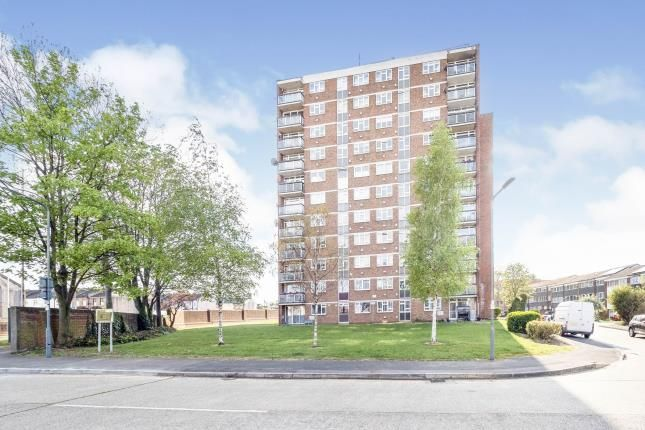 2 bed flat for sale in Wanstead, London, United Kingdom E11
