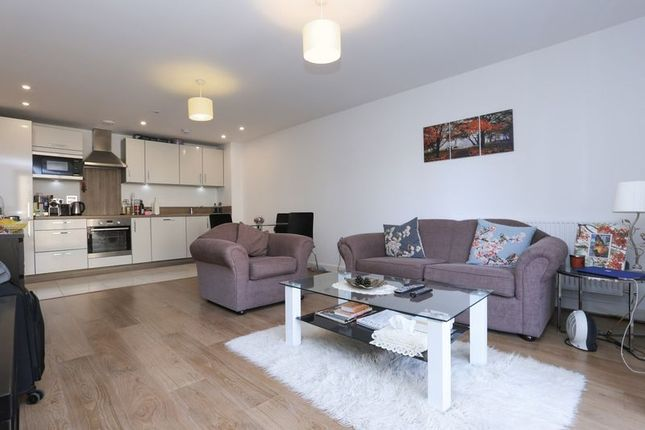 Thumbnail Flat for sale in Brampton House, Maple Quay