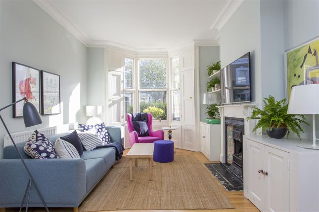 Thumbnail Terraced house for sale in Harcombe Road, London
