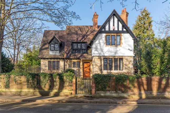 Thumbnail Detached house for sale in Southcott Village, Leighton Buzzard