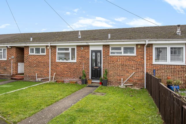 1 bed bungalow for sale in Knavesacre Court, Rainham, Gillingham ME8