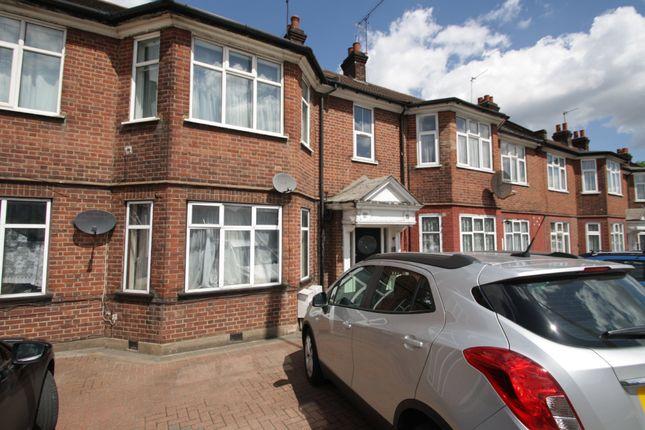 Thumbnail Flat to rent in North Circular Road, Palmers Green