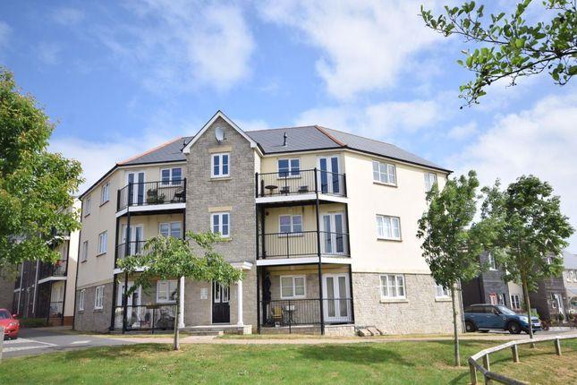 2 bed flat to rent in Watkins Way, Bideford, Devon EX39
