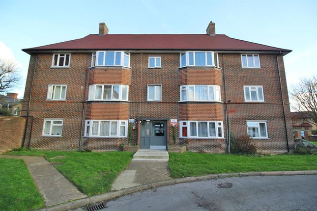 Thumbnail Flat for sale in Pevensey Avenue, Enfield