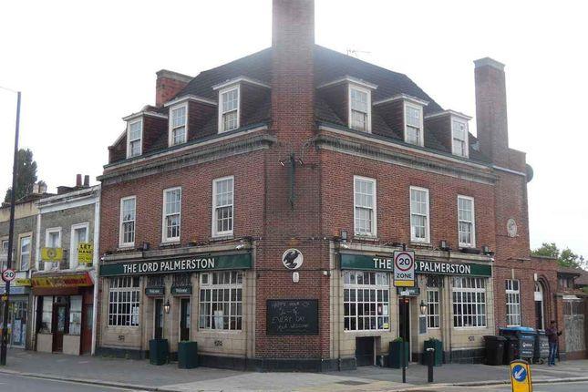 Thumbnail Pub/bar to let in Philip Lane, London