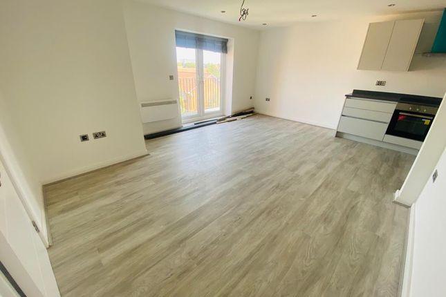 Thumbnail Flat to rent in Falling Lane, West Drayton