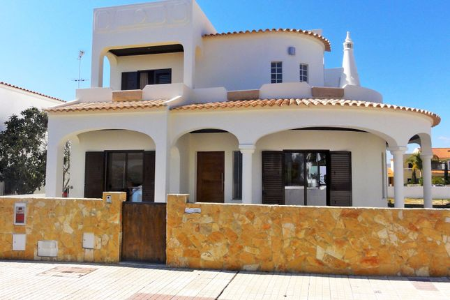 Thumbnail Villa for sale in Olhão, Olhão, Portugal