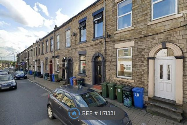 Room to rent in Manchester Road, Mossley, Ashton-Under-Lyne OL5