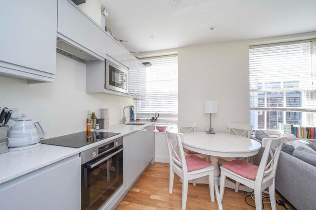 1 bed flat to rent in Brassey House, New Zealand Avenue, Walton-On-Thames KT12