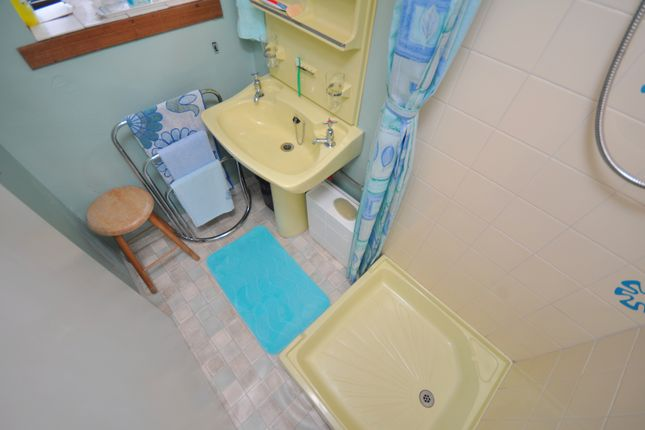 Shower Room of 58 Wilson Street, Girvan KA26