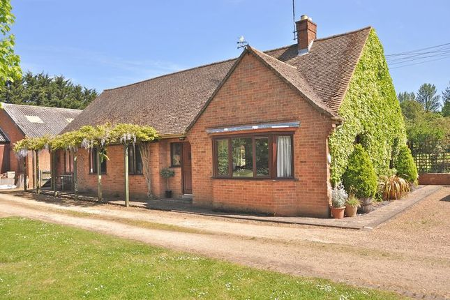 Thumbnail Detached bungalow for sale in Bennetts Hill, Offenham, Evesham