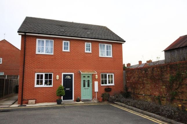 Thumbnail Semi-detached house for sale in Basson Court, Evesham