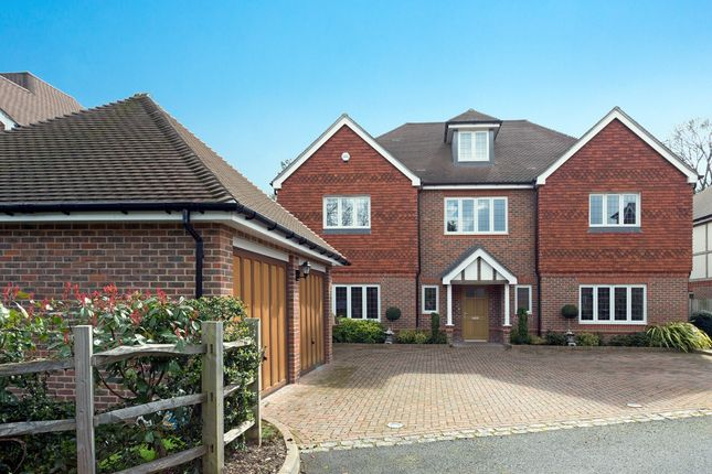 Thumbnail Detached house to rent in Templemead, Gerrards Cross