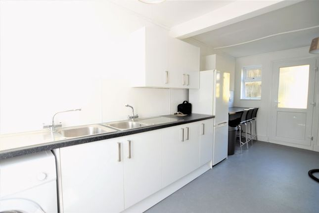 Thumbnail Property to rent in The Crestway, Brighton