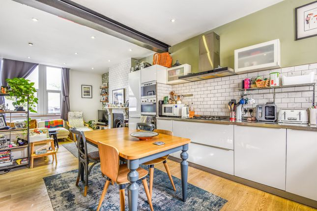 Thumbnail Flat for sale in Archway Road, London