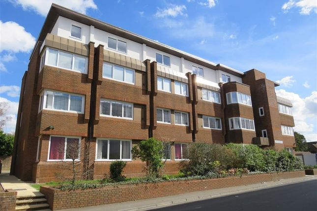 Thumbnail Flat to rent in Mead House, Cantelupe Road, East Grinstead