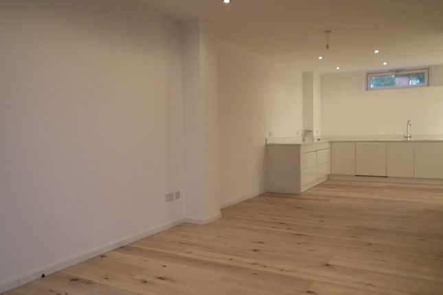 3 bed terraced house to rent in Wedmore Street, London