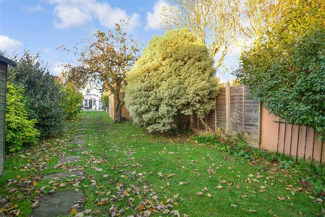 Thumbnail Link-detached house for sale in Old Road West, Gravesend, Kent