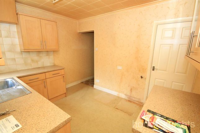 Fitted Kitchen of Riviera Parade, Bentley, Doncaster DN5