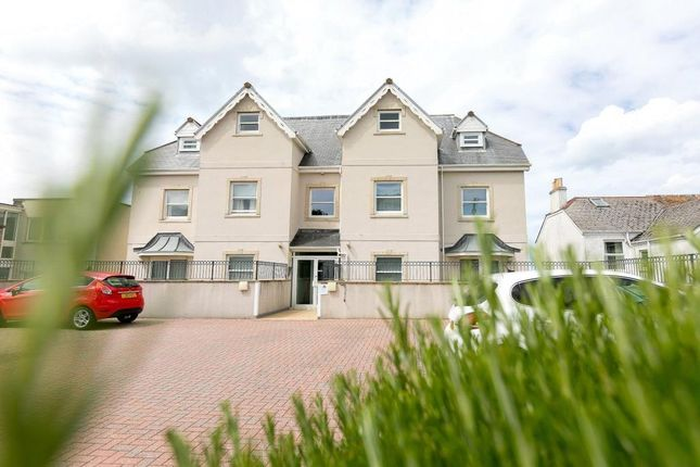 2 bed flat to rent in Headland Road, Carbis Bay, St. Ives TR26
