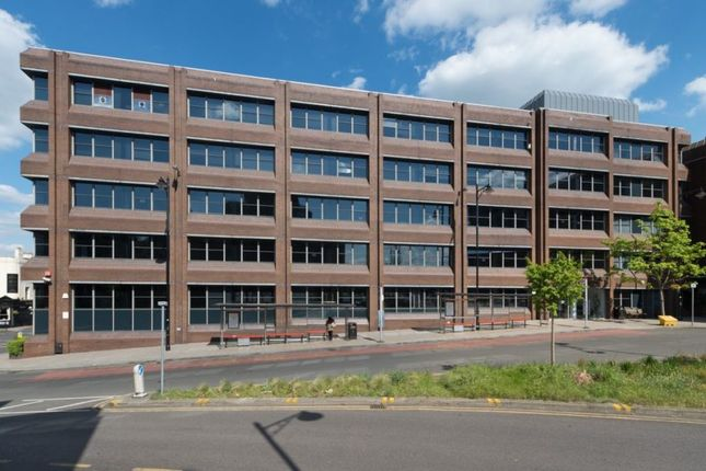 Thumbnail Office to let in Carew House, Railway Approach, Wallington, Surrey