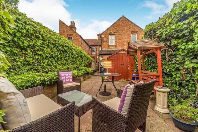 Garden of Elstow Road, Bedford, Bedfordshire, . MK42