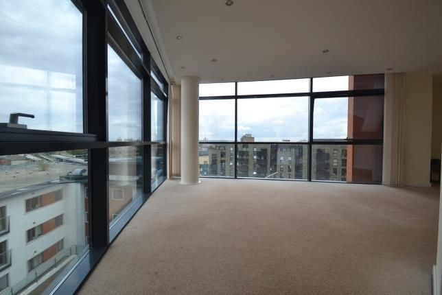 Thumbnail Flat for sale in Marconi Plaza, Chelmsford, Essex