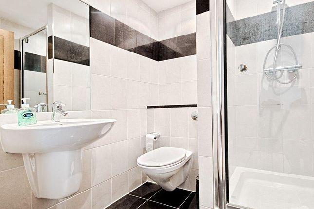 Bathroom of 9 Albert Embankment, Vauxhall, London SE1