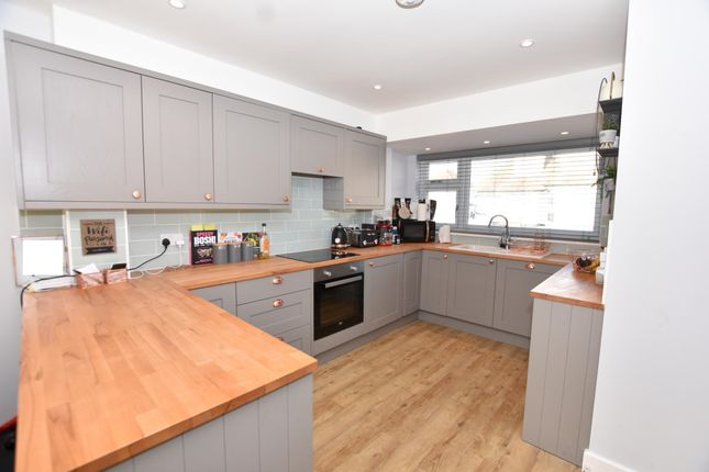 4 bed town house to rent in Madeira Road, Holland-On-Sea, Clacton-On-Sea CO15
