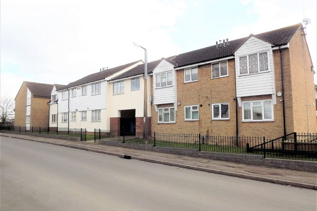 Thumbnail Flat for sale in Regency Court, Harlow