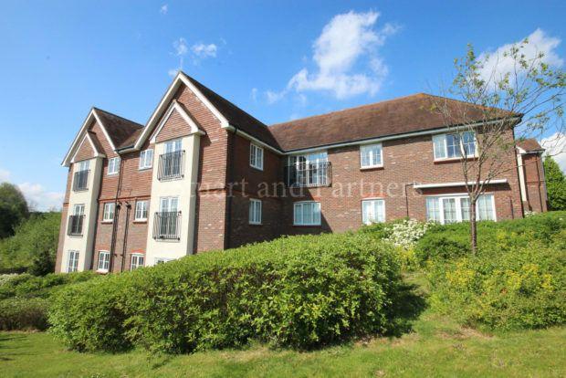 Thumbnail Flat to rent in Highbank, Haywards Heath