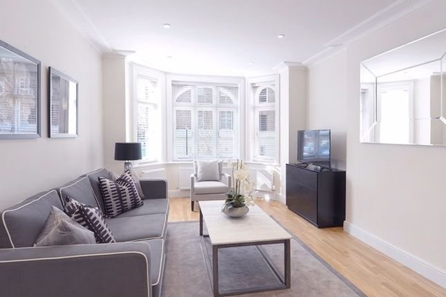 Thumbnail Flat to rent in Hamlet Gardens, London