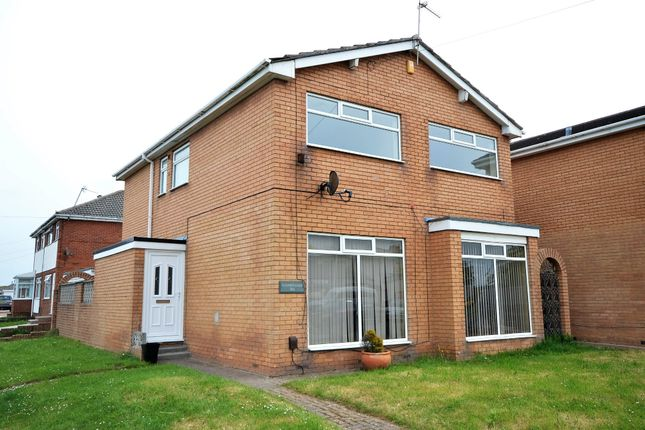 Detached house to rent in Vicarage Lane, Blackpool