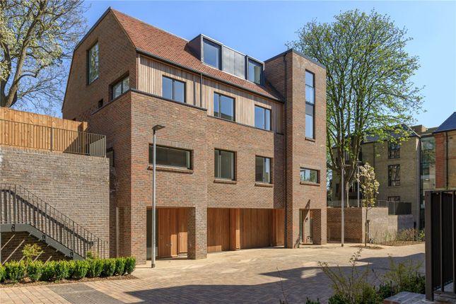 4 bedroom semi-detached house for sale in Woodside Square, Woodside Avenue, London