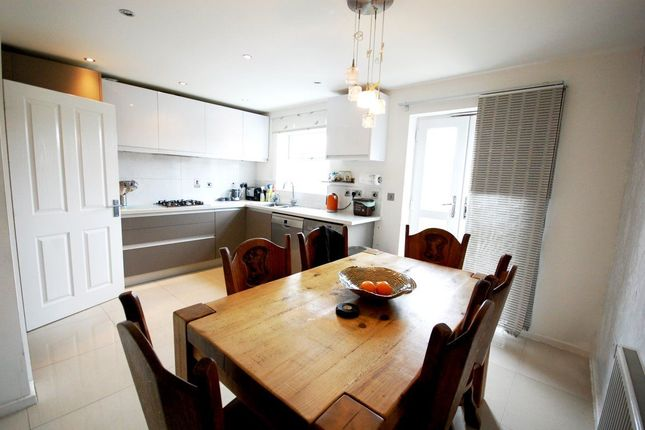 Thumbnail Property to rent in Coppetts Road, London