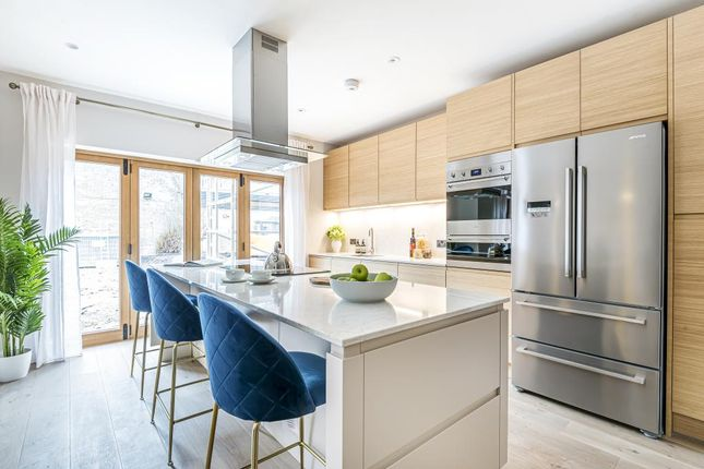 Thumbnail Town house for sale in Two Victoria Avenue, Finchley