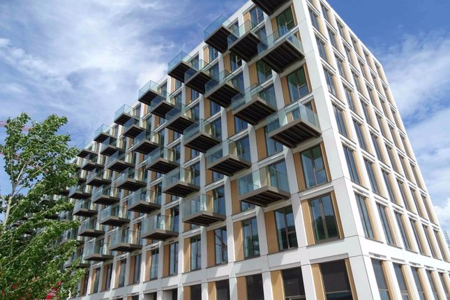 Thumbnail Flat for sale in Barrier Point Road, Royal Docks