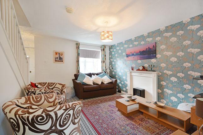 Thumbnail Semi-detached house to rent in Ivy Court, Argyle Way, London