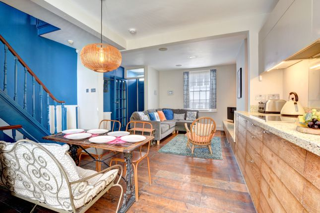 Thumbnail Town house to rent in Cheltenham Place, Brighton