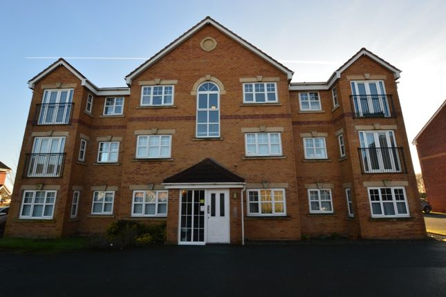 2 bed flat to rent in Longacre, Hindley Green WN2