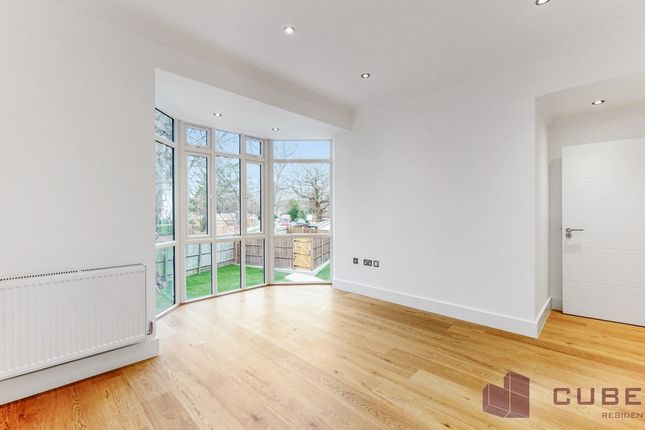 2 bed flat for sale in Finchley Lane, London, London NW4