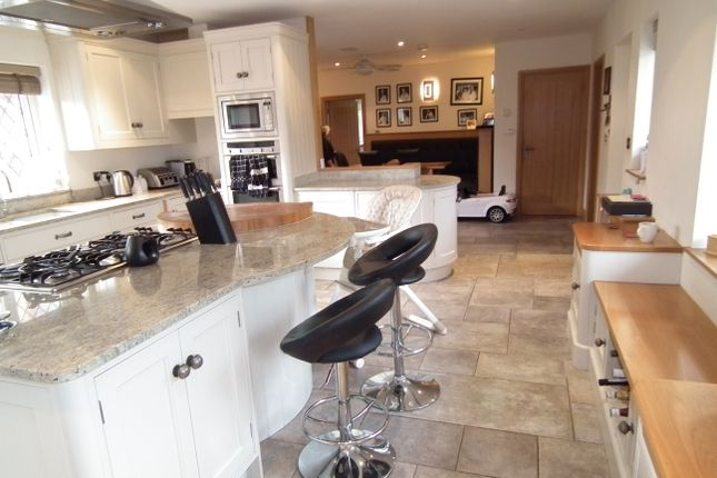 5 bed detached house for sale in Wildhill Road, Wildhill