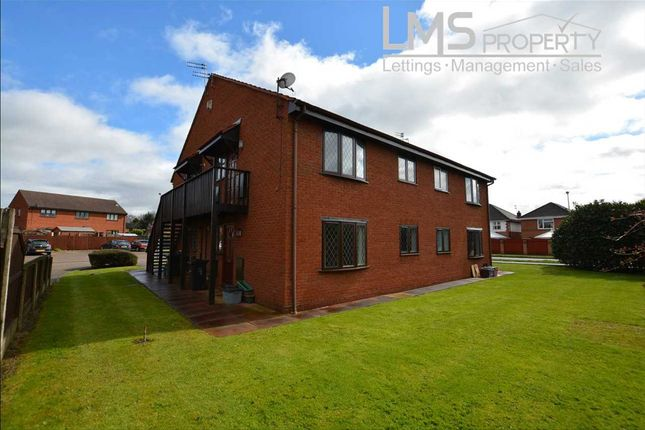 Thumbnail Flat to rent in Greenfields, Winsford